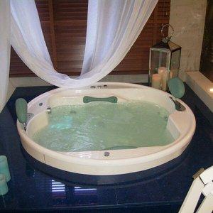 Banheira de Hidromassagem Ouro Fino Lunacril Premium 1,50m x 50cm 06 Jatos